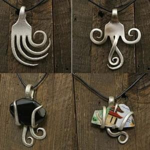 Браслеты, кольца и кулоны