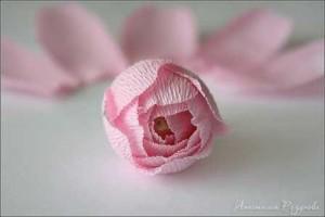 мастер класс цветы розы из гофрированной бумаги