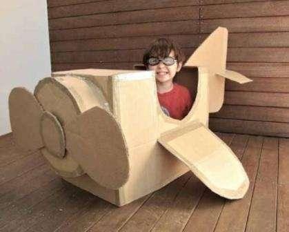Современные родители придумали много идей, что можно сделать из картонной коробки