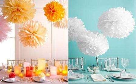 Такие помпоны из цветов прекрасно смотрятся в металлических кубках, керамических вазах и креманках
