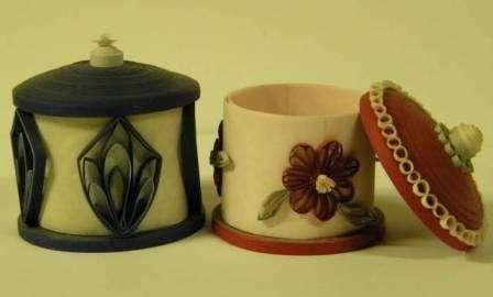 Окрашиваем поделку любым цветом и декорируем бисером