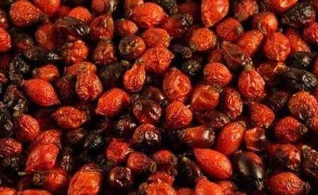 Процесс сушки ягод шиповника