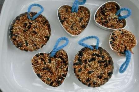 Пошаговое изготовление зерновой кормушки: