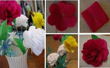 По такому же принципу, но из салфеток другого цвета вы можете сделать букет пионов или роз.