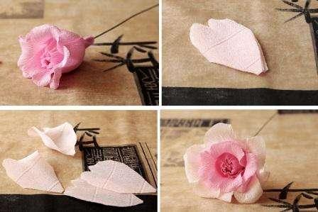 Сделайте еще 4 лепестка розы, которые должны быть немного больше предыдущих, чтобы получился объемный цветок.