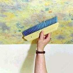Для облицовки потолка жидкими обоями по отзывам не требуется выравнивания поверхности, так как этот материал позволяет скрыть любые дефекты