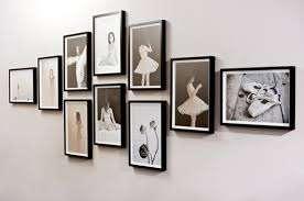 Строгие и лаконичные рамки из массива в темном цвете украсят вашу стену и подчеркнут индивидуальность. Важно