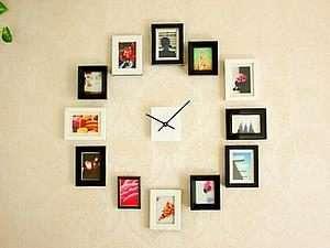 Некоторые рукодельницы оформляют мультирамку вокруг часов, чтобы украсить стену со вкусом. Вы можете придумать свою собственную идею для оформления фотографий, главное, чтобы декор сочетался с общей