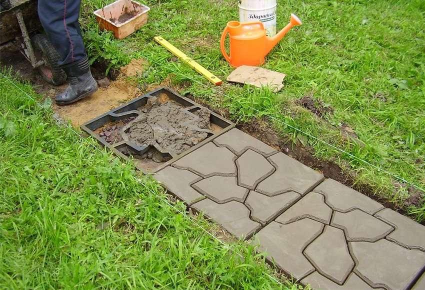Также почитайте: Как сделать садовую дорожку из сруба Садовая дорожка своими руками