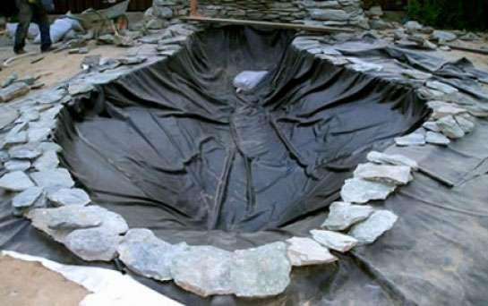 как украсить искусственный пруд на даче фото
